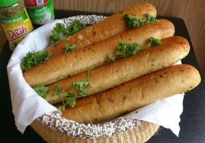 Buttery Garlic Bread Sticks