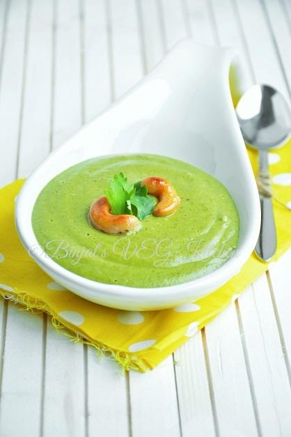 Creamy Broccoli Soup Photography