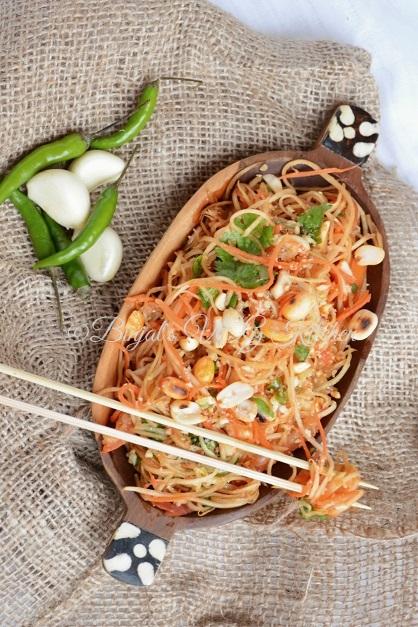 Green Papaya Salad Photography