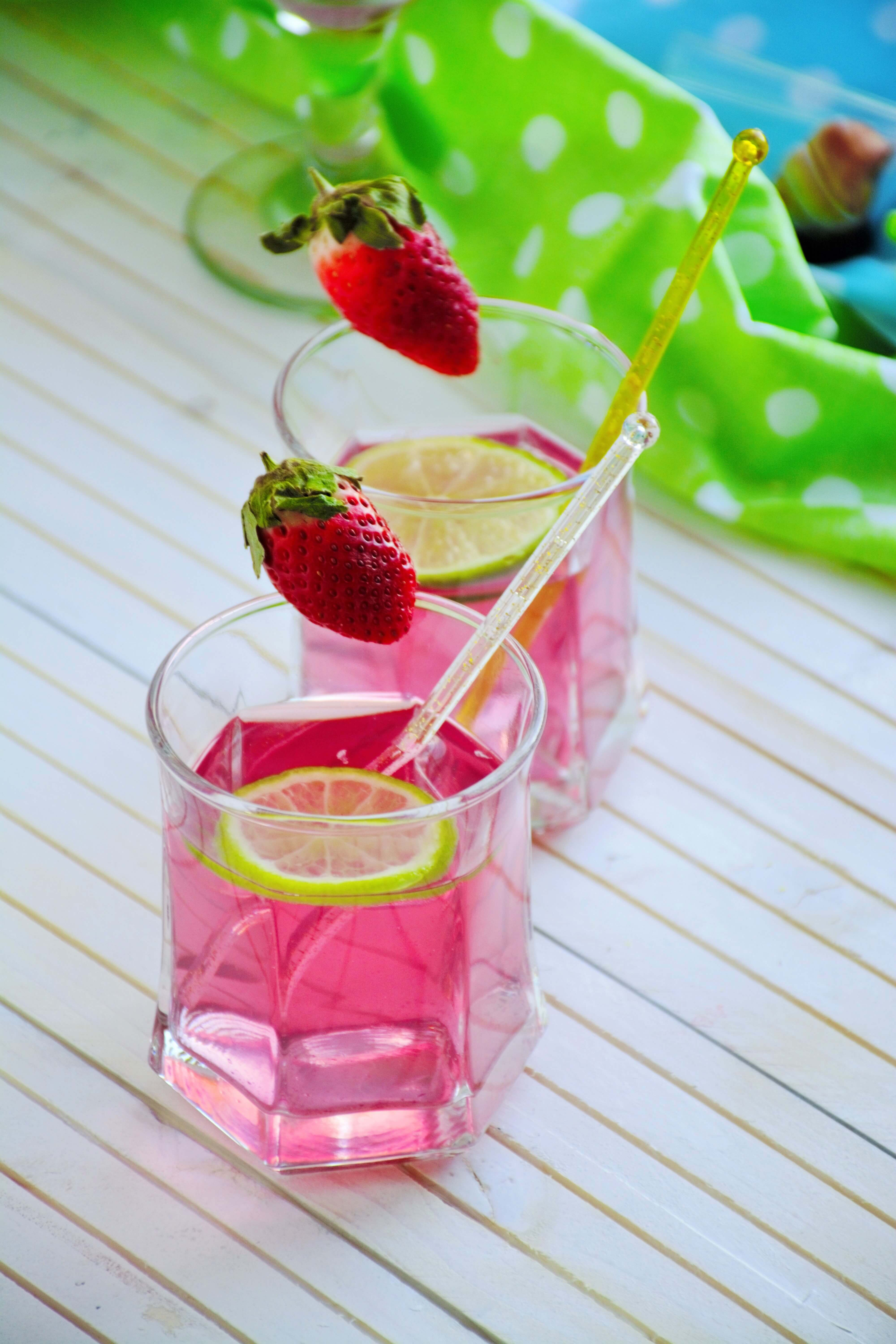 Strawberry Lemonade Photography