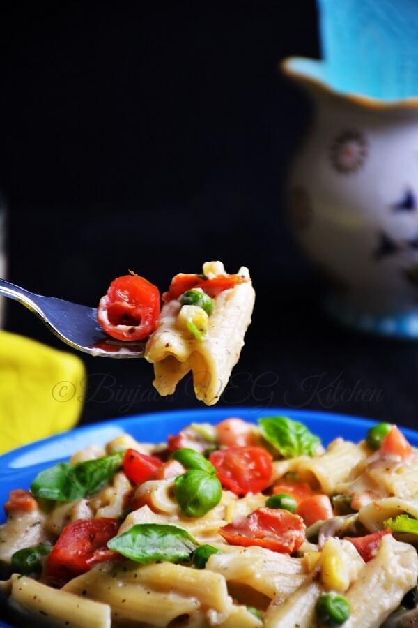 Vegetable Pasta White Sauce